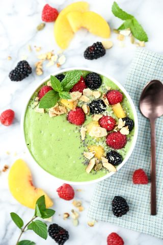 Peach Mint Smoothie Bowl
